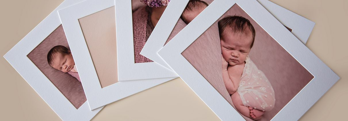 Choosing images from your newborn photo gallery