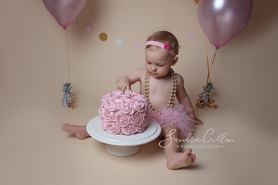 Cake Smash birthday baby